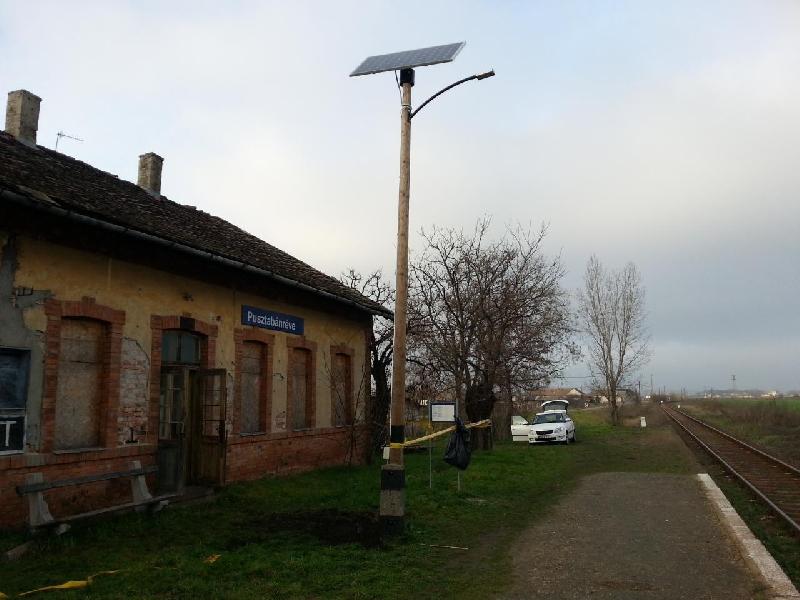 Pusztabánréve MÁV station, solar public lighting