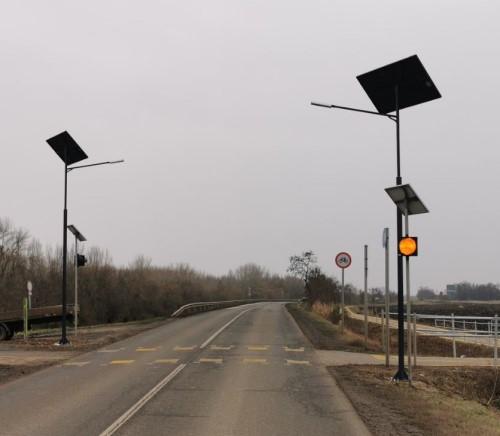 Tószeg, Yellow beacon lights and Solar powered street litghtings