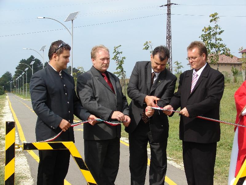 Zalaszentiván, bike path solar lighting